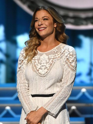 Selain Hilary Duff, Ini 5 Selebriti yang Menikah di Usia Muda