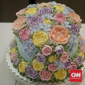 Iven mengandalkan detail pada setiap cake buatannya