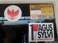 Soal Penempelan Stiker Agus-Sylvi di Ke, Panwaslu: Tak Masalah
