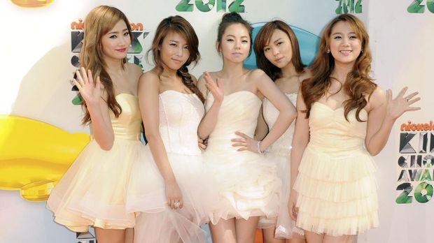 Wonder Girls mendominasi industri K-Pop lewat suara modern retropop.