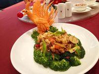 9 Hidangan Spesial Imek Disajikan Dalam 'Shanghai Night'