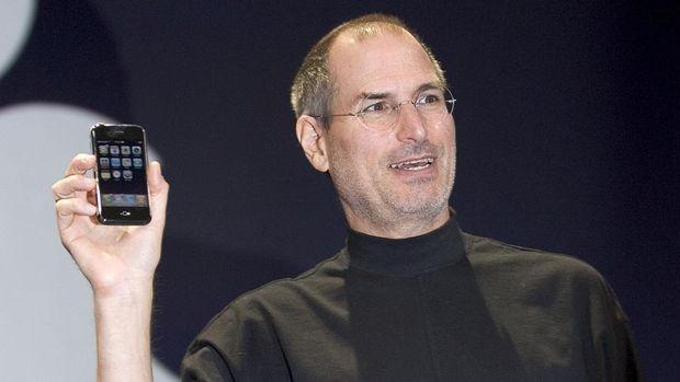 Sumpah Serapah Steve Jobs untuk Bapak Android