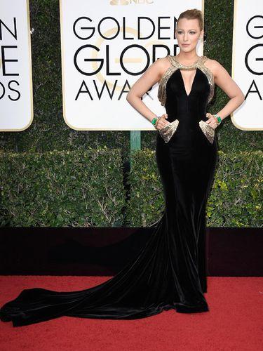 Tengok Lebih Dekat Perhiasan Rp 92 Miliar Blake Lively di Golden Globes