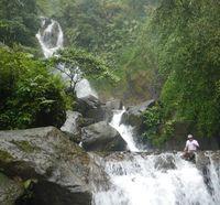 Wisata ke Curug Ciherang yang Cantik di Bogor, Ini Tipsnya!