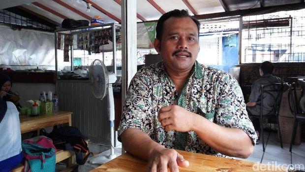 pemilik Rumah Makan khas Makassar Amir Armas