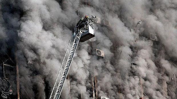 Gedung 17 Lantai di Iran Terbakar dan Roboh, 75 Orang Luka