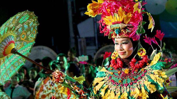 Kontingen Indonesia dalam balutan kostum khas yg keren (dok Panta Rei/Istimewa)
