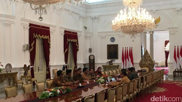 Rapat konsultasi Jokowi dan pimpinan MPR /