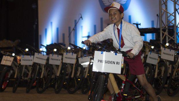 Jokowi, Ikan, dan Belajar dari Masyarakat Daerah