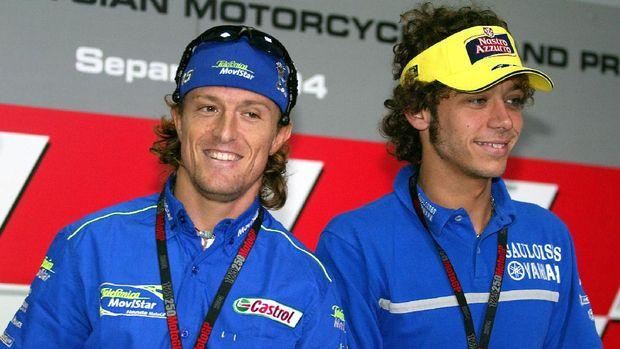 Sete Gibernau (kiri) adalah salah satu pebalap yang sering kali dikalahkan Valentino Rossi.