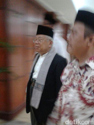 Ketua MUI Ma'ruf Amin tiba di lokasi sidang.