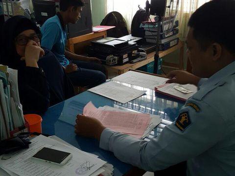 Niwen sedang diproses administrasi ke LP Perempuan dan Anak Pekanbaru untuk menjalani masa pidana 10 tahun.