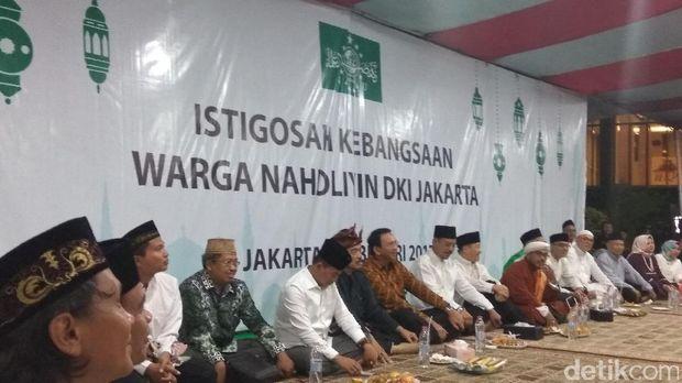 Ahok saat menghadiri Istigasah Warga Nahdliyin DKI /