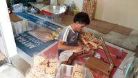Modal Rp 50 Ribu, Perempuan Ini Raup Rp 50 Juta/Bulan dari Bisnis Snack