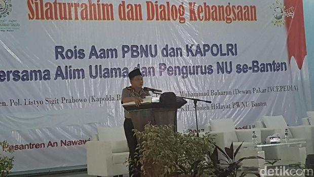 Kapolri Jenderal Tito Karnavian menghadiri silaturahmi dan dialog kebangsaan di pesantren milik Rais Aam PBNU KH Ma'ruf Amin, Rabu (8/2/2017)