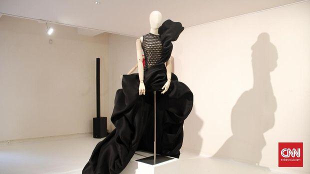 Tahun ini, Rolland terinspirasi seniman dari berbagai era, mulai Michaelangelo, Rodin, hingga Brancusi.