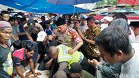 Kapolda Metro Jaya Sembelih Sapi dan Bantu Anak Yatim di Tangerang