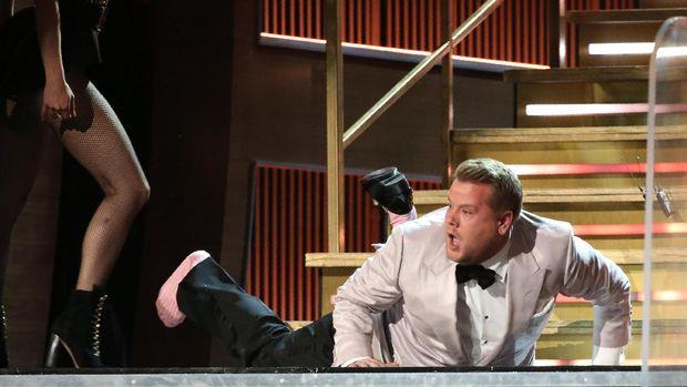 James Corden membuat panggung Grammy Awards menjadi kocak.