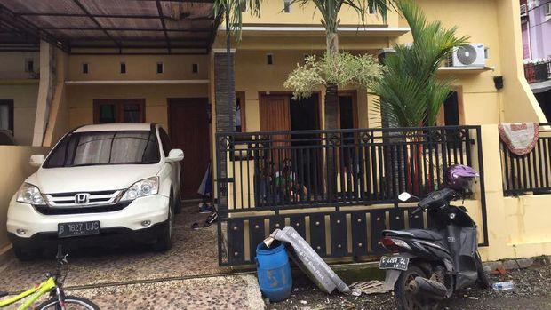 Rumah kontrakan Eks Bupati Batang Yoyok di Pekalongan.
