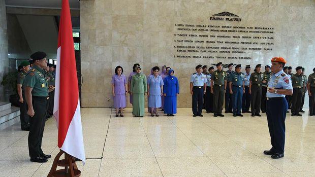 Panglima TNI Jenderal Gatot Nurmantyo lantik 37 pejabat tinggi TNI