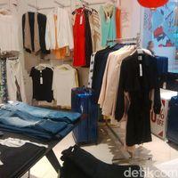 Baju Kerja Diskon 70% di Kuningan City, Blazer Mulai dari Rp 200 Ribu