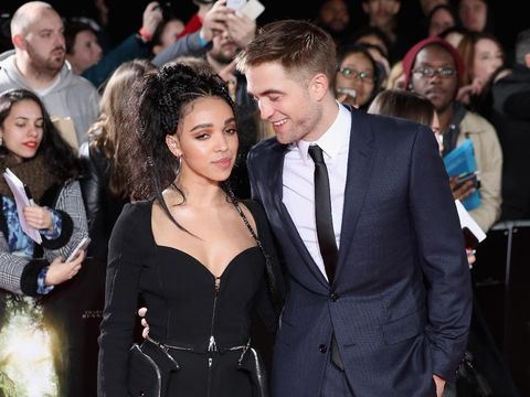 Foto: Mesranya Robert Pattinson & FKA Twigs di Karpet Merah