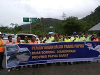 Menjajal Jalan Trans Papua
