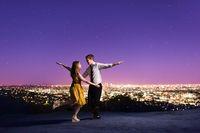 Manisnya Pasangan Buat Foto Pre-Wedding ala film La La Land