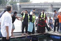 Serunya Ustadz Yusuf Mansyur memancing (dok Pemkot Banda Aceh)