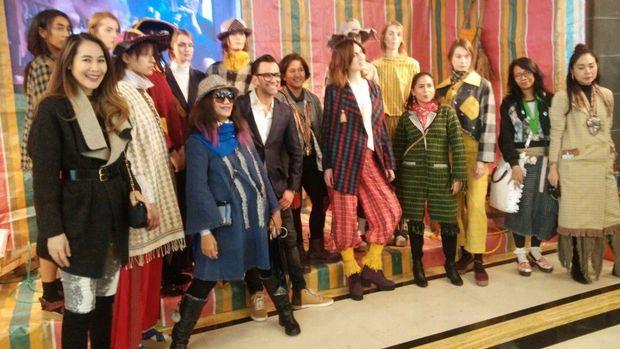 Geliat Tenun untuk Mendunia Tak Kalah dengan Batik