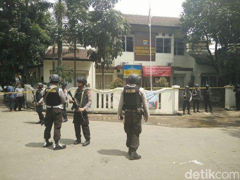 Inafis Olah TKP Lokasi Bom Panci dan Persembunyian Pelaku