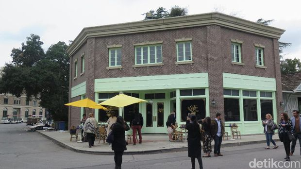 Kafe 'La La Land' Kini Jadi Atraksi Favorit di Warner Bros Studio