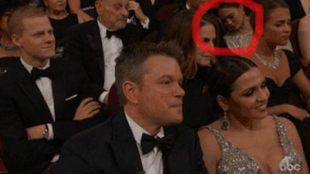 Chrissy Teigen Tertidur Saat Acara Oscar Berlangsung
