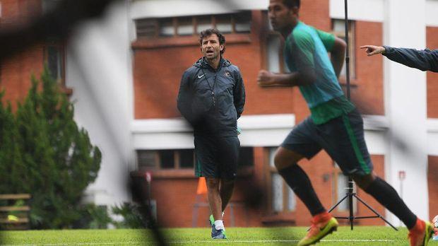 Luis Milla pilih Pep Guardiola sebagai pelatih terbaik FIFA. (