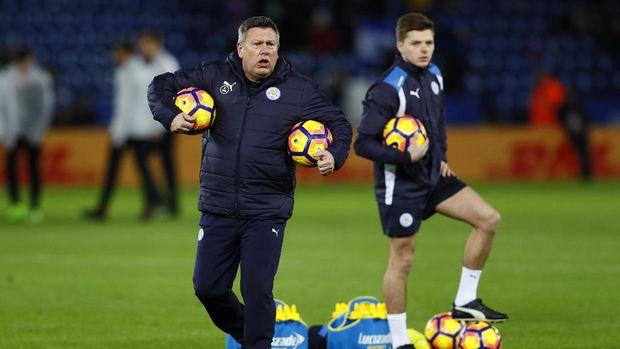 Craig Shakespear hanya empat bulan memanajeri Leicester City sebelum akhirnya dipecat. (