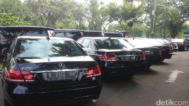 Penampakan Kendaraan untuk Rombongan Raja Salman di Bandara Halim