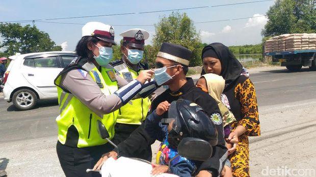 Penggunaan masker merupakan upaya pencegahan tercemar polusi udara.