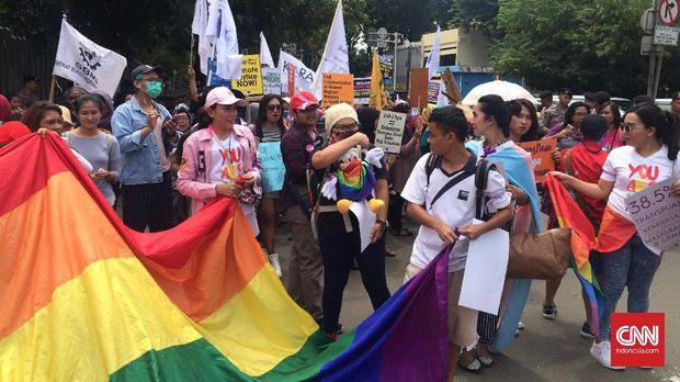 Cerita Seorang Transgender Perjuangkan Hak Perempuan