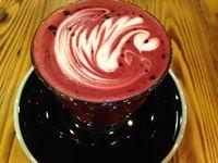 Watt Coffee: Enaknya Bersantai Menikmati Pizza Dua Topping dan Cheesecake Lezat