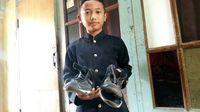 Viral Sepatu 'Menguap' Bocah Cianjur, Begini Cerita Sang Ayah