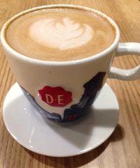 Douwe Egberts Coffee: Menikmati <i>Stroopwafel Caramel Latte</i> Bersama <i>Apple Tart</i> Gaya Belanda