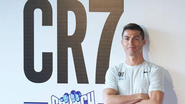 Perut Kotak-Kotak, Ronaldo Tepis Rumor Sit-up 3 Ribu Kali Sehari