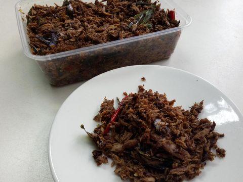 Ikan Kayu Mami Cut: Gurih Aromatik Ikan Kayu dan Ayam Tangkap Khas Aceh