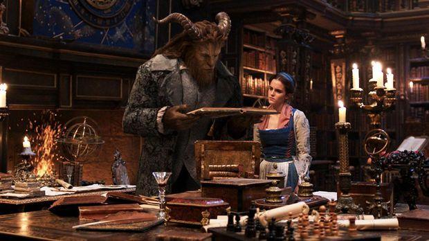 Beauty and the Beast menuai kontroversi akibat keberadaan sosok LeFou versi baru.