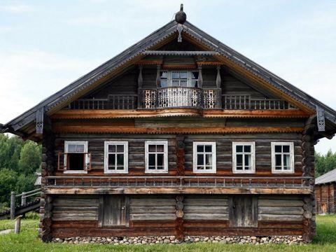 Rumah asli Rusia dibangun tanpa paku (Maxim Shemetov/Reuters)