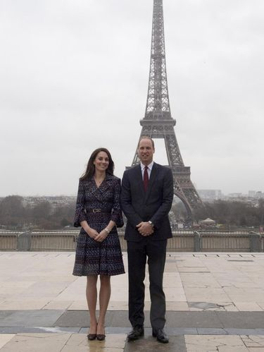 Foto: Gaya Rp 130 juta Kate Middleton saat Berkunjung ke Paris