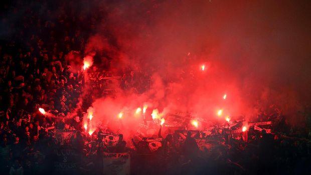 Suporter Masuk Lapangan, Barca Didenda UEFA