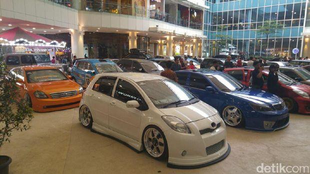 42 Mobil Modif Kece Tampil di Jakarta Auto Modified