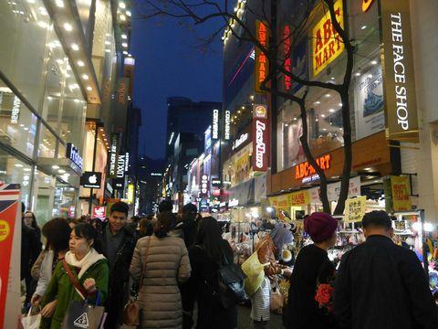 Belanja di Seoul jangan lupa mengelilingi jalan-jalan ya