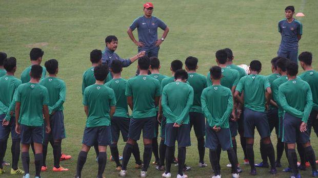 Indra Sjafri menganggap penting pendidikan untuk pemain Timnas Indonesia U-19.